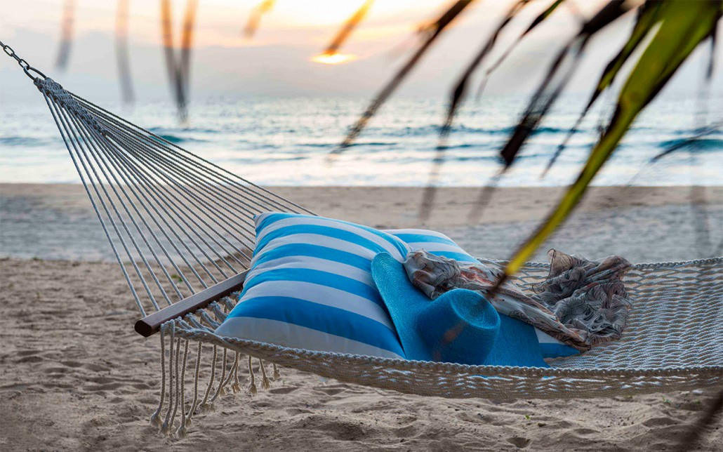 Beach-Lounge---hammock