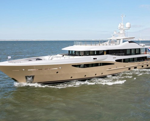 DY8s8o2zRMiVQga6Iz13_Lili-superyacht-Amels-180-delivered-sea-trials-2240x1260