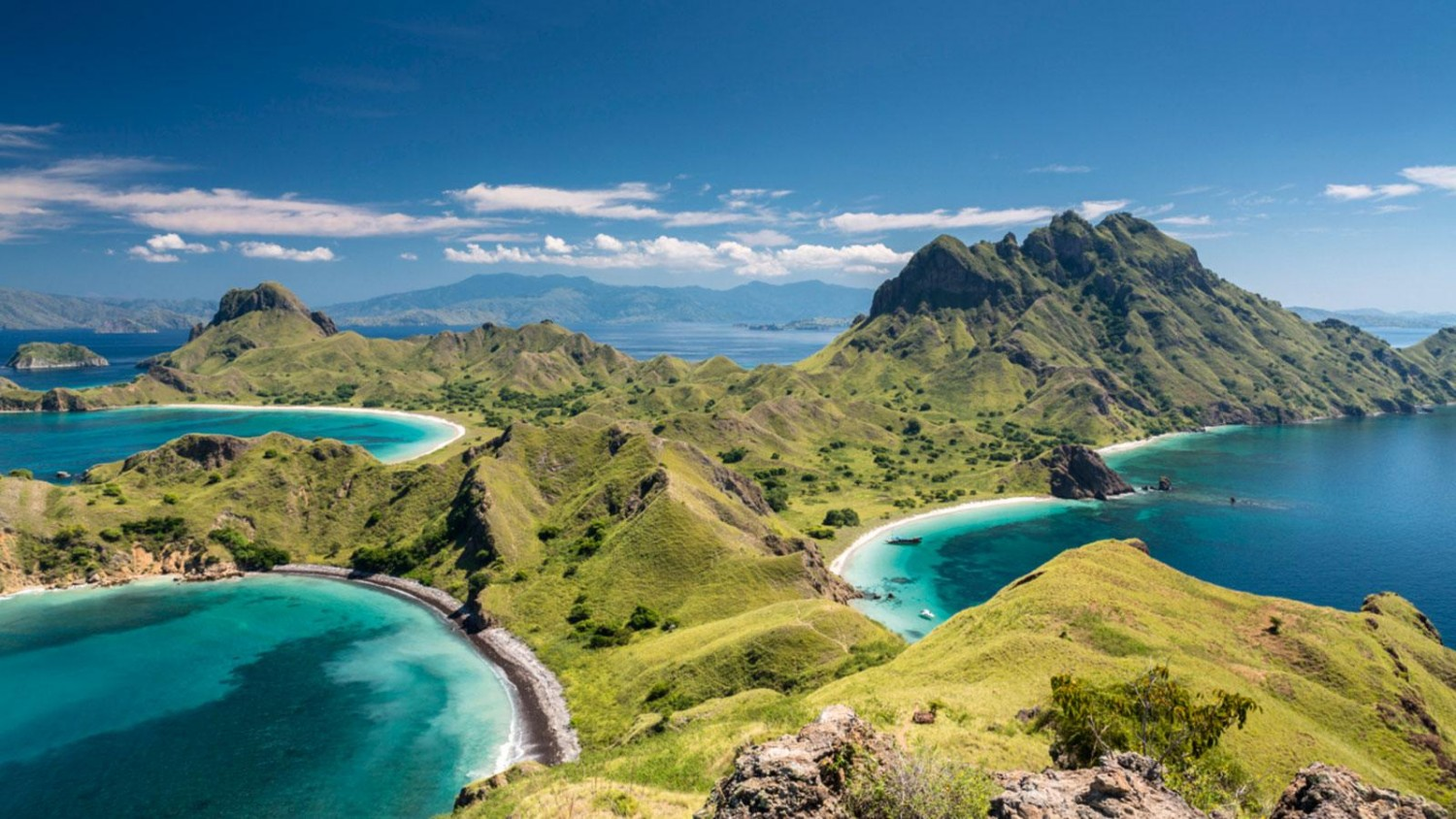 8 days exploring Komodo National Park by Superyacht - Lee ...