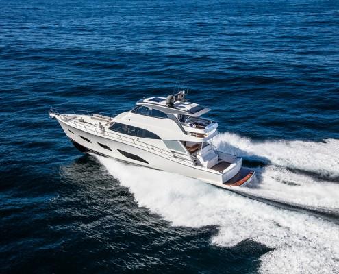 Riviera-68-Sports-Motor-Yacht-Running-01