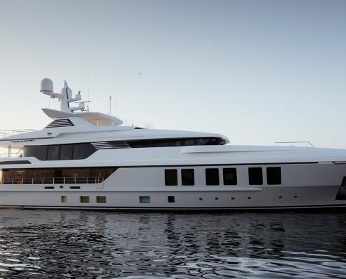nnQdR7ceTzOC72UtrxhC_Razan-yacht-Turquoise-side-view-starboard-credit-Guillaume-Plisson-1920x1080